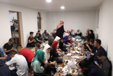 Iftar i druženje članova Mreže mladih džemata Raštelica