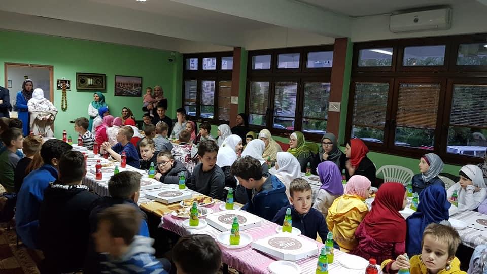 Iftar za roditelje i mektebske polaznike džemata Alipašino Polje C faza
