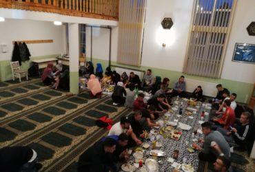 Iftar za 40 omladinaca u džematu Crna Rijeka