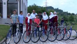 Učenici iz mekteba Ugorsko na poklon dobili bicikla