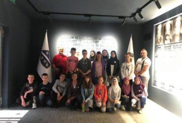 """Polaznici """"Ljetne škole Kur'ana"""" u džematu Zabrđe posjetili Ratni tunel i Memorijalni centar Kovači"""