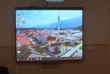 Mekteb Vrelo Bosne-Plandište bogatiji za smart-pametnu tablu