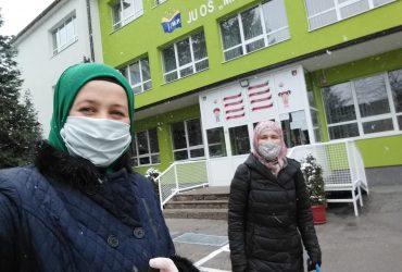 Sektor za brak i porodicu džemata Vogošća: Online aktivnosti, šijenje i podjela maski, obilazak starijih