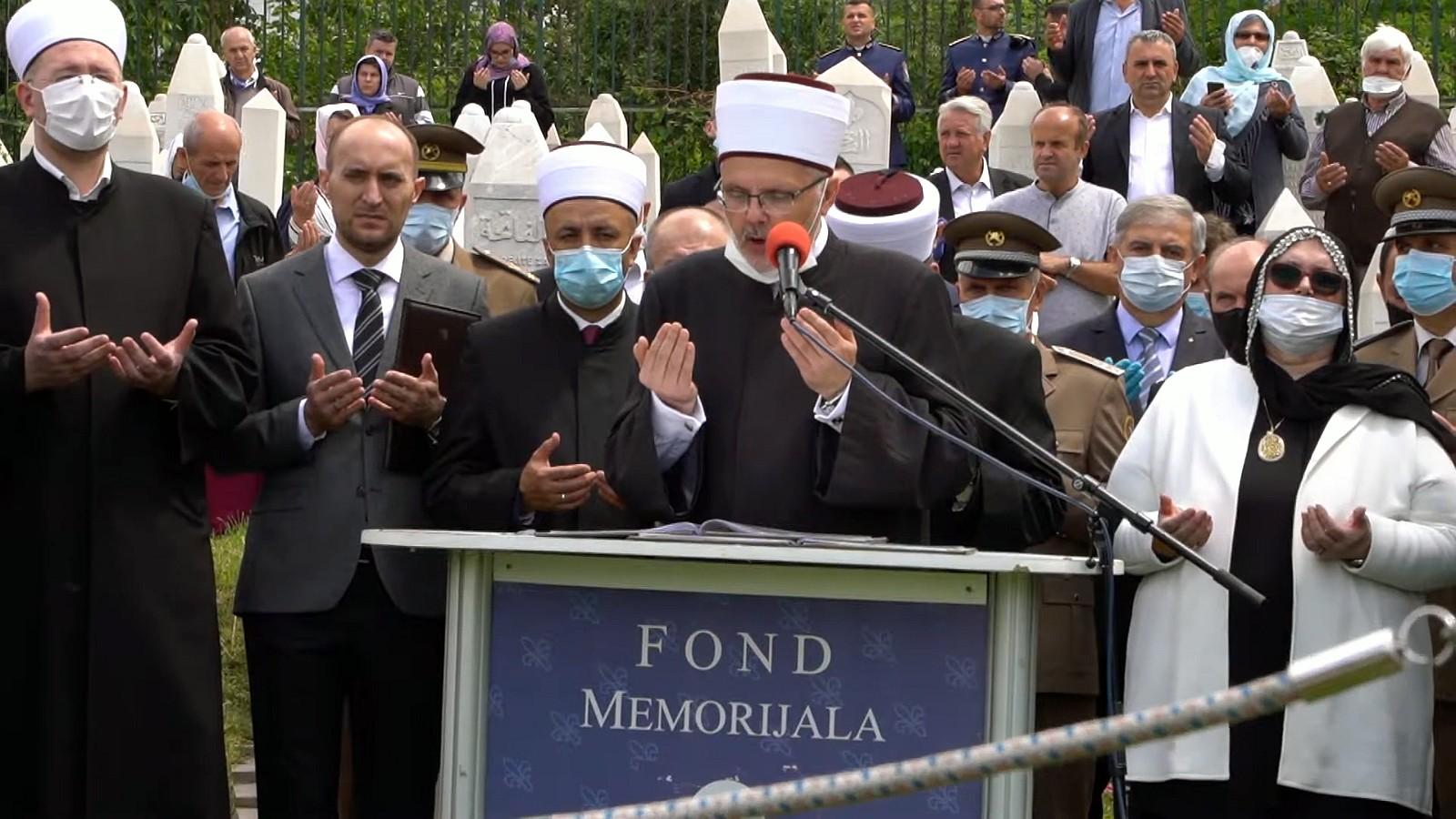 Centralni program i poklanjanje hatma dove u povodu Dana šehida održan na Šehidskom mezarju Kovači u Sarajevu