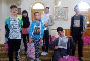 Podjela bajramskih paketića i diploma za učenike mekteba Raštelica