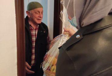 Mreža mladih Ilidža: Korpe voća za najstarije džematlije Centralne džamije