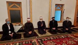 U noći Bedra Glavni imam sa saradnicima posjetio džemat Prača: Svakome je Allah propisao njegovu nafaku i put