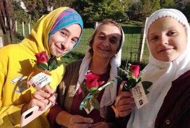Mreža mladih: Aktivisti i imami povodom 12. rebiu-l-evvela podijelili ruže u hadžićkim džematima
