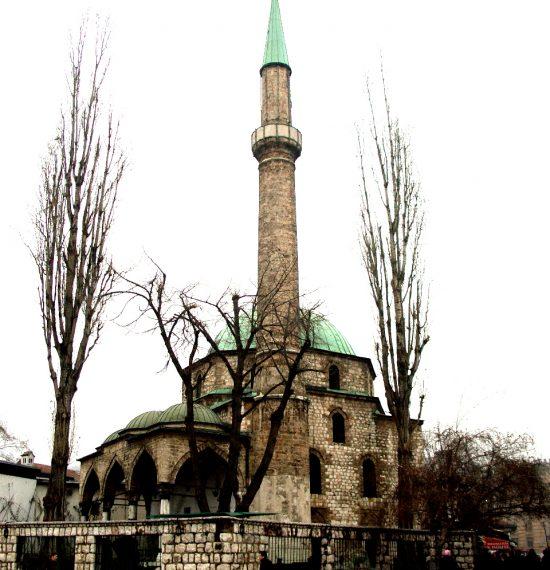 Bascarsijska_dzamija_Sarajevo_2